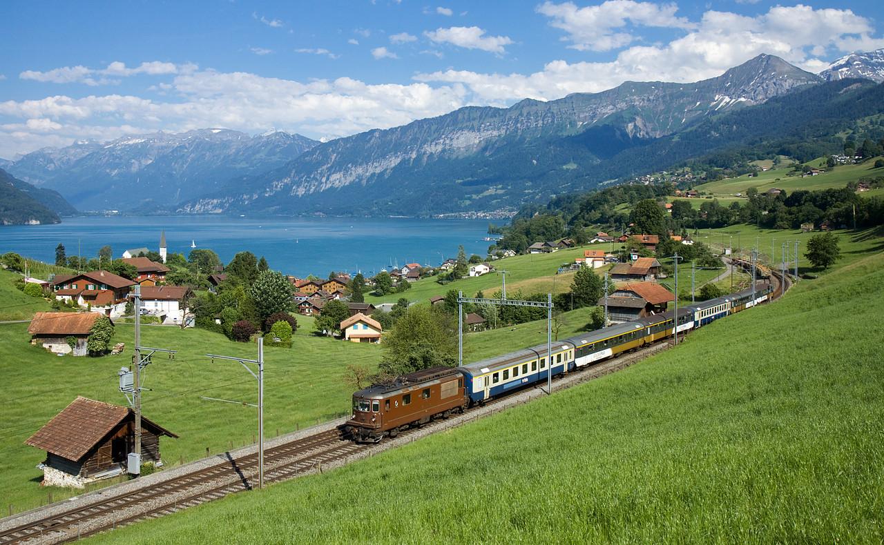 http://www.bahnbilder.ch/pictures/large/10560.jpg