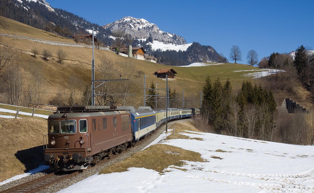http://www.bahnbilder.ch/pictures/large/9791.jpg