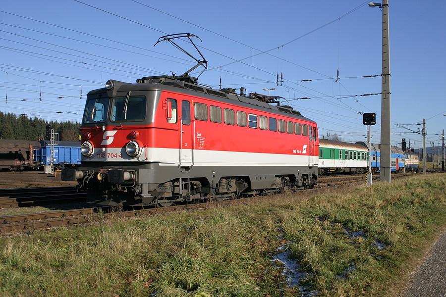 http://www.bahnbilder.ch/pictures/medium/3118.jpg