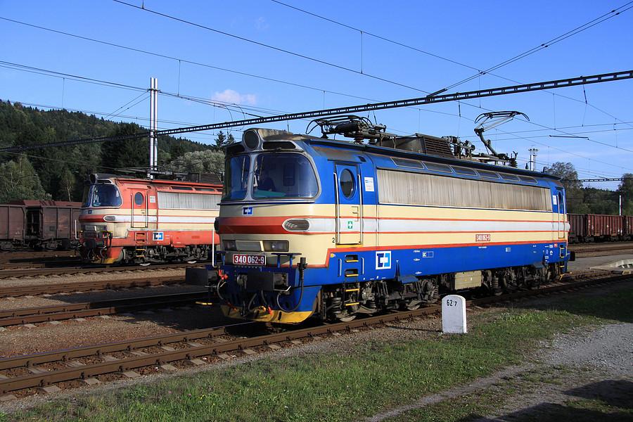 http://www.bahnbilder.ch/pictures/medium/5300.jpg