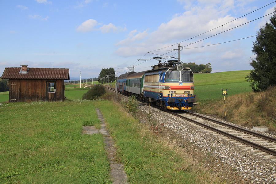 http://www.bahnbilder.ch/pictures/medium/5350.jpg