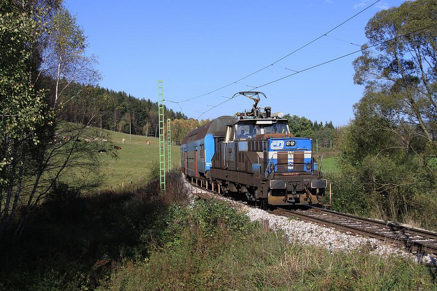 http://www.bahnbilder.ch/pictures/medium/5353.jpg