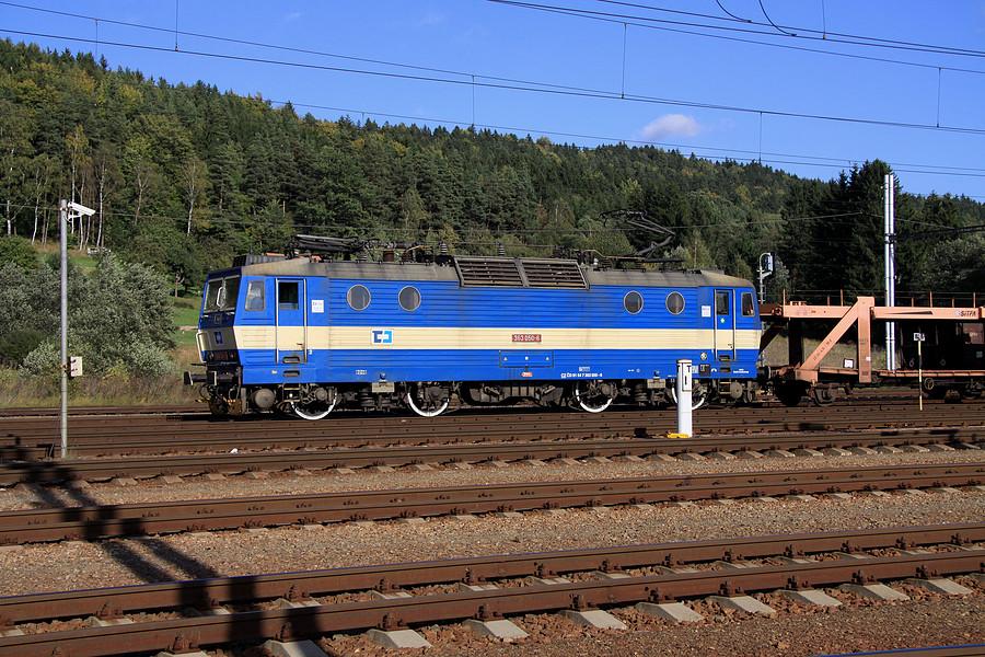 http://www.bahnbilder.ch/pictures/medium/5357.jpg