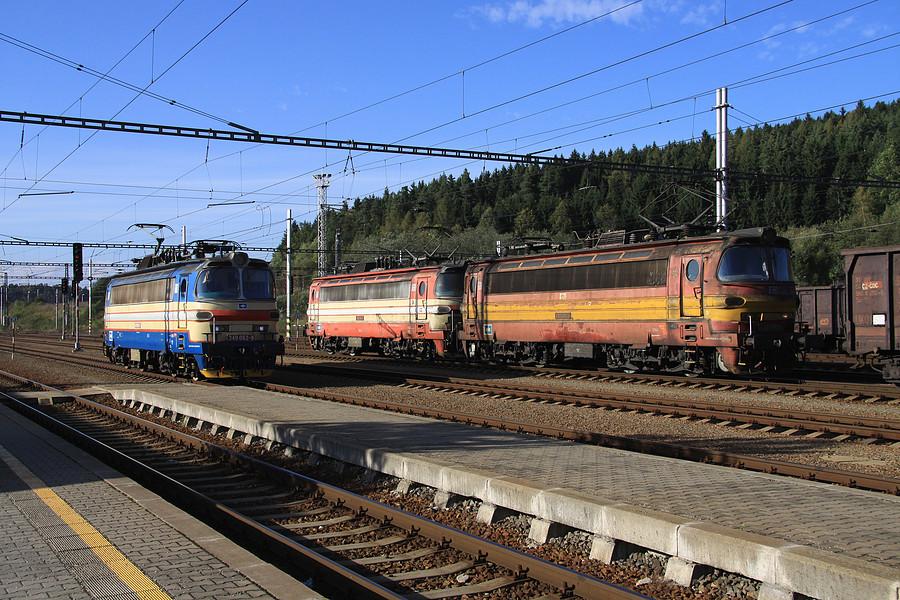 http://www.bahnbilder.ch/pictures/medium/5358.jpg